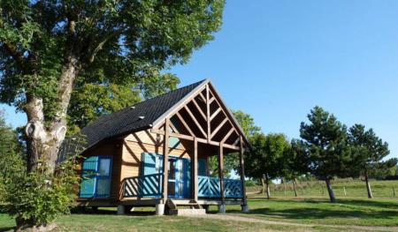 Camping - Mauriac - Auvergne - Le Val Saint Jean